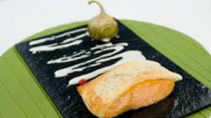 Salmón al horno crujiente con salsa eneldo - RTVE.es